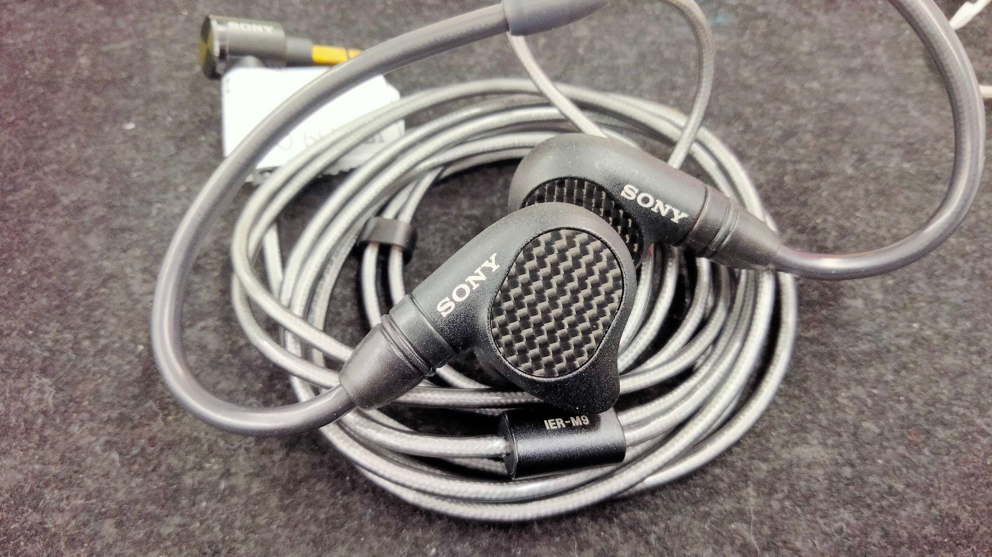 Sony IER-M9